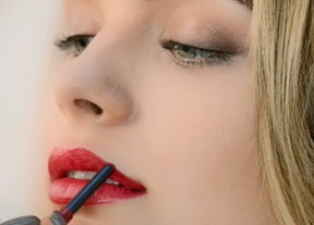 GET PERFECT RED LIPS